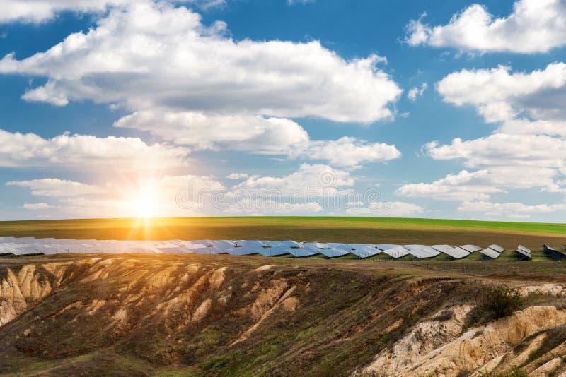 太阳电池板, photovoltaics,供选择的电来源-能承受的资源的概念 库存照片