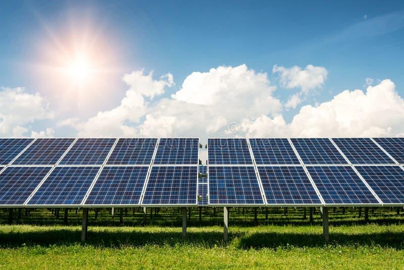 太阳电池板, photovoltaics,供选择的电来源-能承受的资源的概念 免版税库存图片