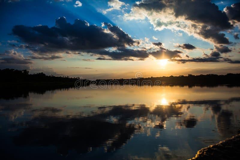 太阳的反射在日落的 图库摄影