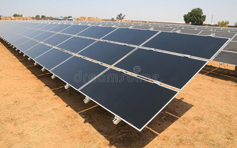 太阳能源的农场 免版税库存照片