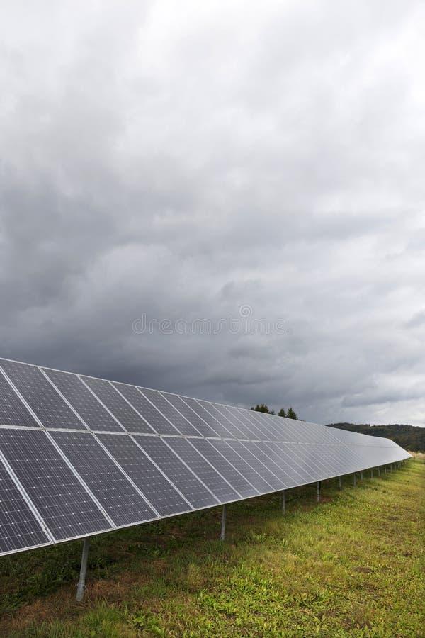 太阳能盘区的细节与多云天空的 免版税图库摄影