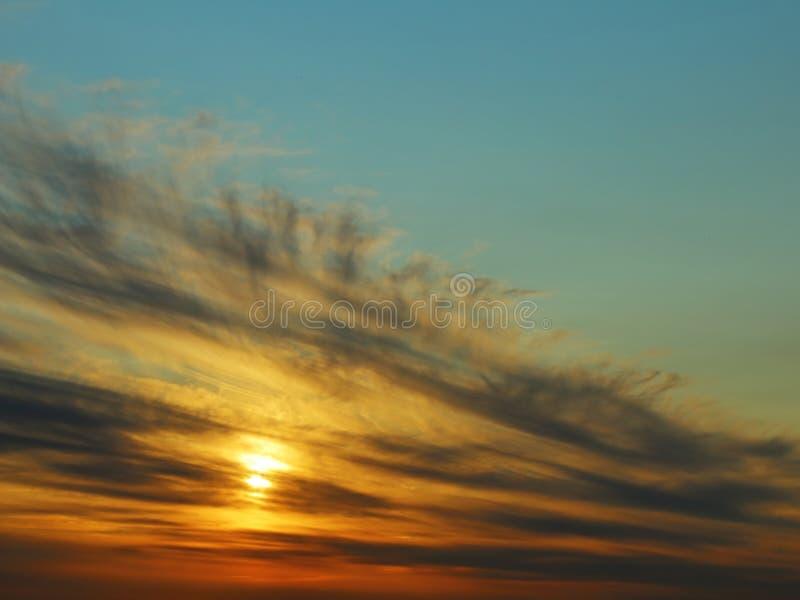 太阳落下 灰色美丽的爱好者  免版税库存图片