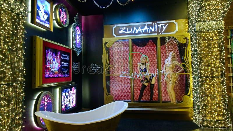 太阳马戏团Zumanity展示的明星大门罩在纽约纽约赌博娱乐场和度假旅馆的 免版税库存图片