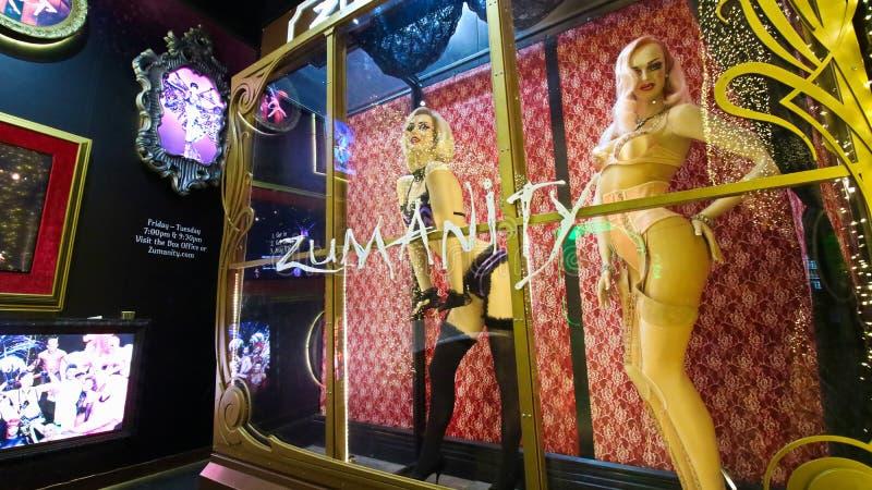 太阳马戏团Zumanity展示的明星大门罩在纽约纽约赌博娱乐场和度假旅馆的 免版税库存照片