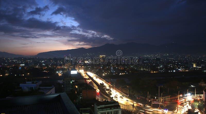 太阳从加德满都尼泊尔设置了 免版税库存照片