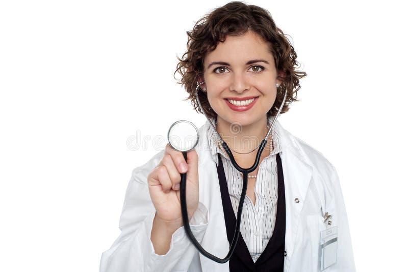 夫人医生现在准备检查您 库存照片