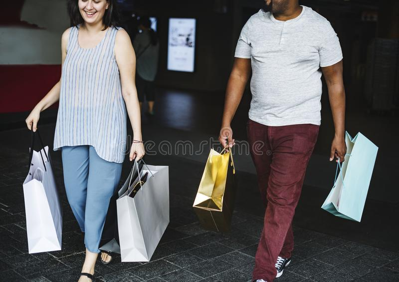 夫妇为一起购物 免版税库存图片
