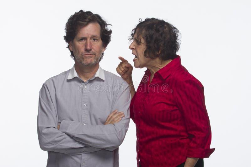 夫妇争论,水平 免版税库存图片