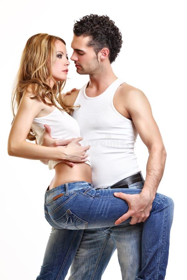 夫妇亲吻热情 免版税库存图片