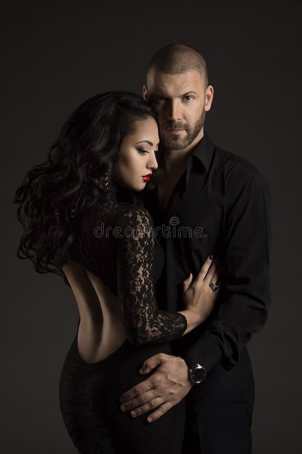 夫妇供以人员和爱的妇女,时尚模型秀丽画象  免版税图库摄影