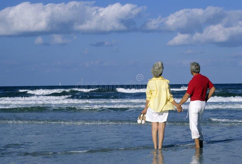 夫妇前辈假期 免版税库存照片