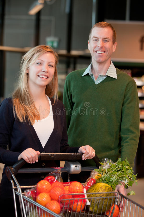 夫妇副食品纵向存储 免版税库存照片