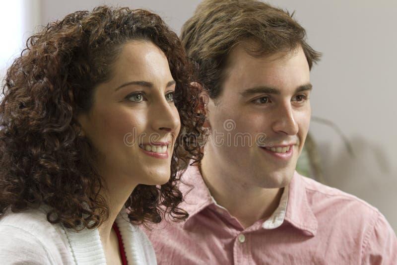 夫妇在家 库存照片