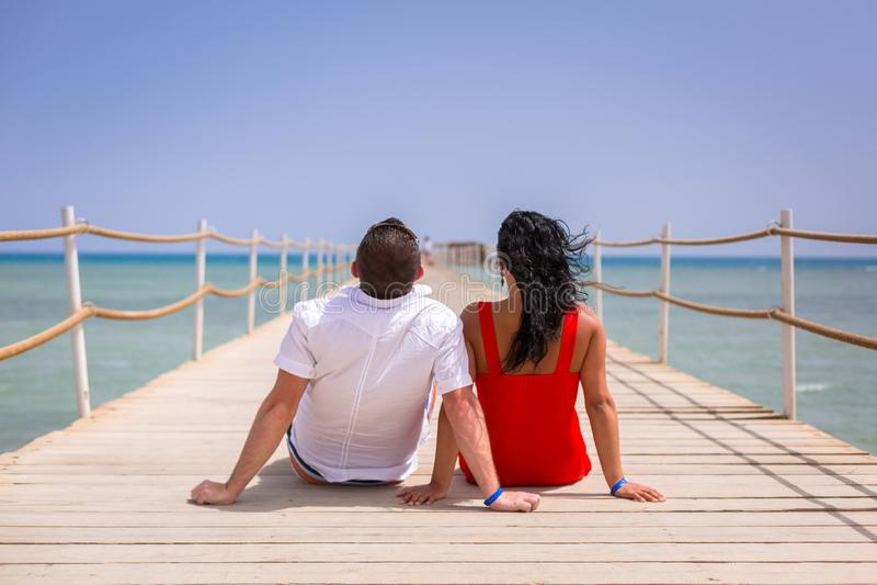 夫妇在红海的太阳假日 库存图片