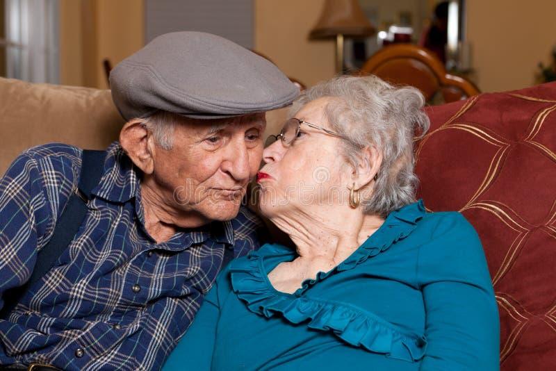 夫妇年长前辈 库存照片