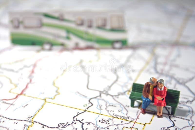 夫妇年长rv旅行 免版税图库摄影