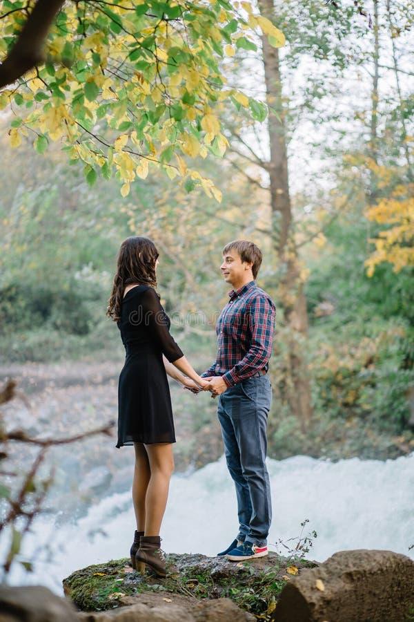 夫妇愉快的本质 爱,幸福 图库摄影