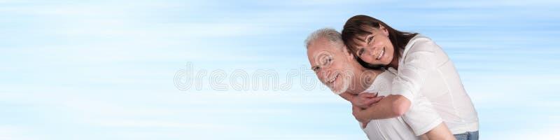 夫妇愉快的纵向前辈 库存照片