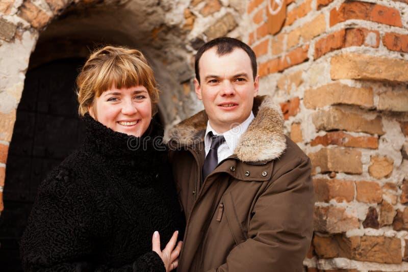 夫妇愉快的纵向年轻人 库存图片