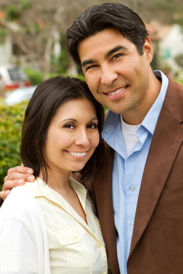 美国人���.��l_download 夫妇愉快的讲西班牙语的美国人 库存照片.