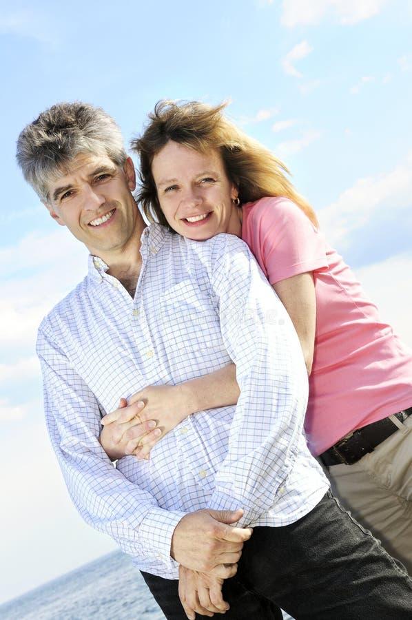 夫妇成熟浪漫 库存图片