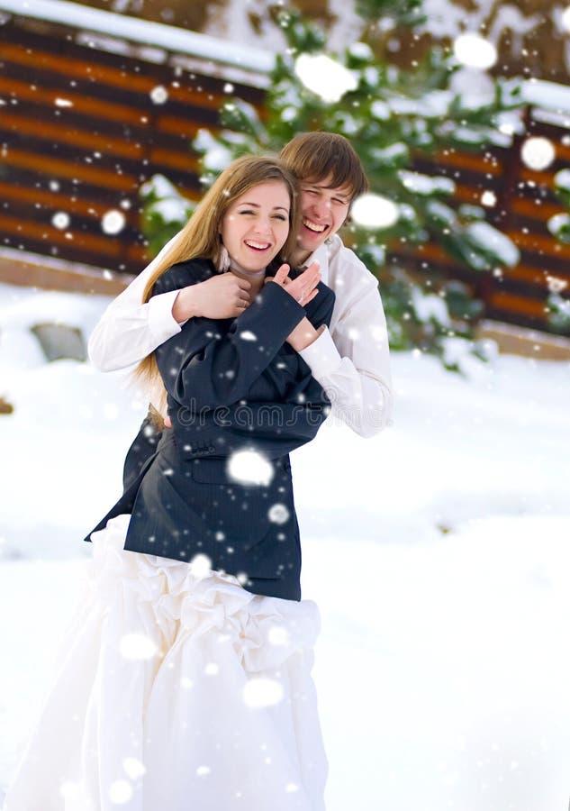 夫妇日愉快的婚礼 免版税库存照片