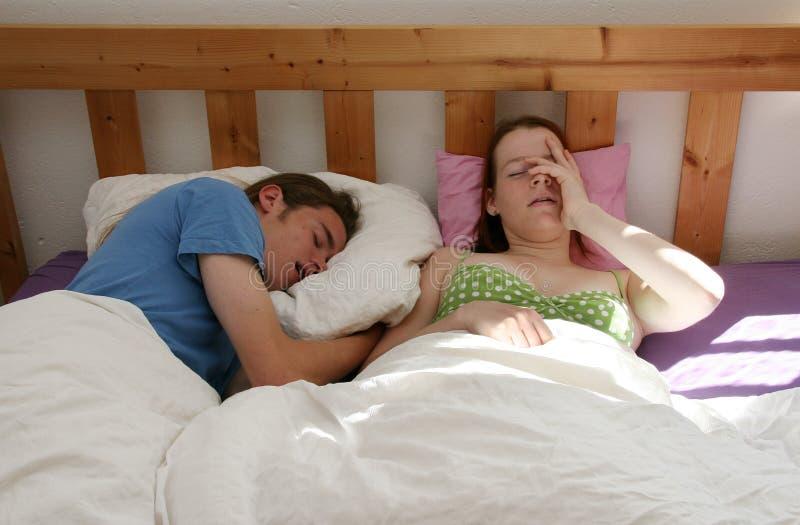 夫妇早晨年轻人 免版税库存图片