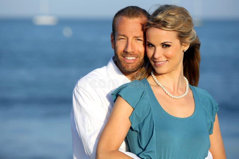 夫妇海滩 库存照片