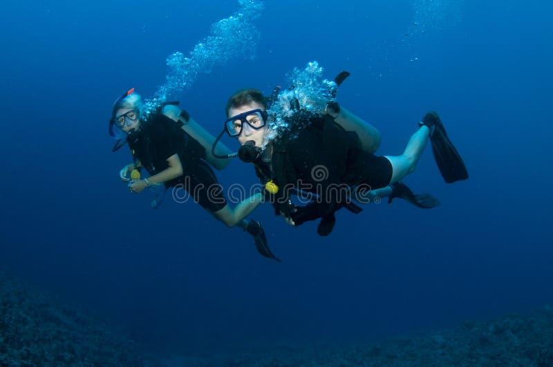 夫妇潜水水肺 库存图片