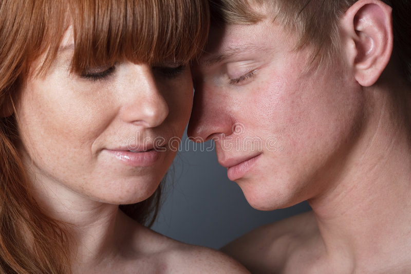 夫妇爱年轻人 免版税库存照片