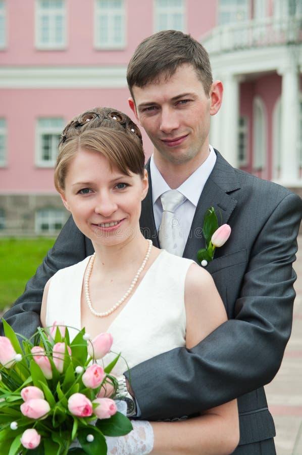 夫妇爱恋的婚礼年轻人 免版税库存照片