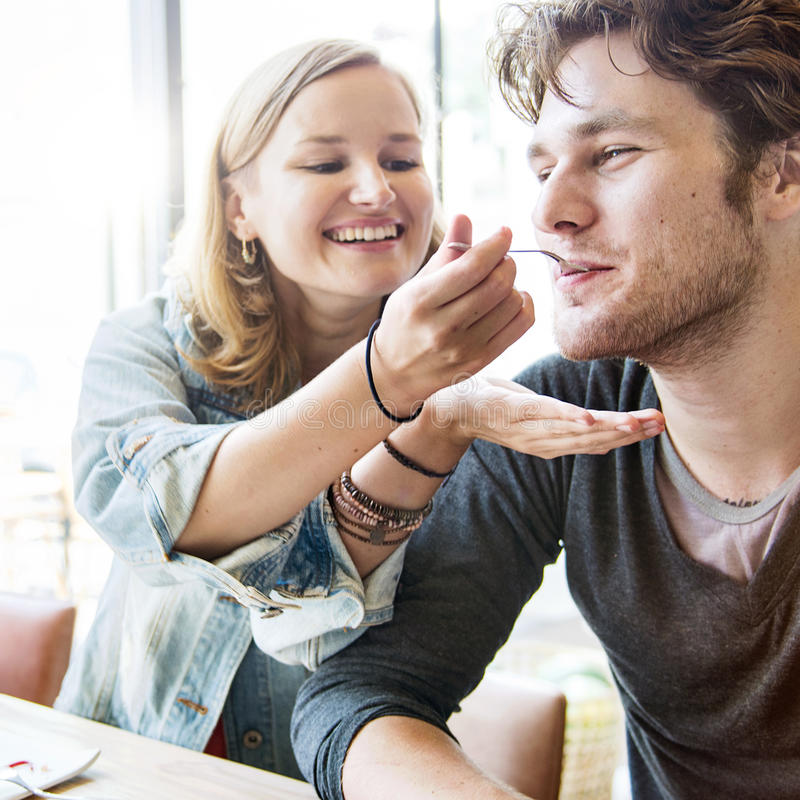 夫妇约会点心餐馆吃概念 库存照片