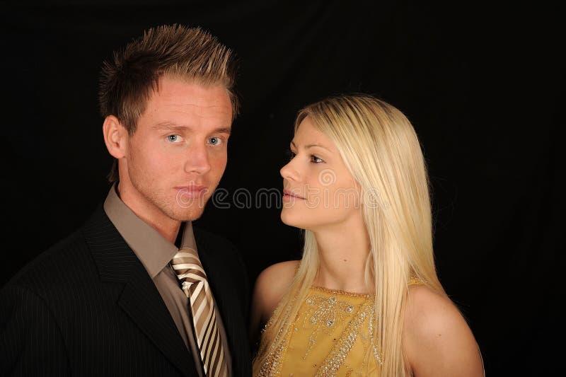 夫妇纵向年轻人 免版税库存图片