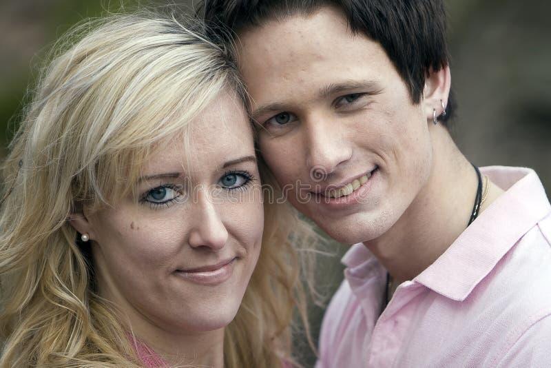 夫妇纵向年轻人 免版税图库摄影