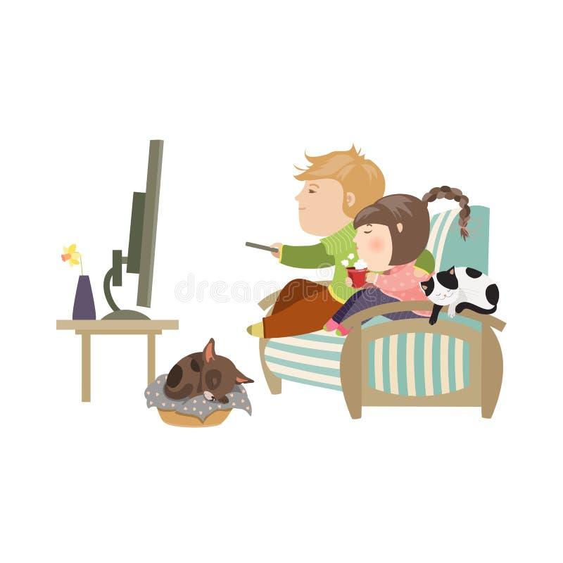 夫妇观看的电视坐长沙发 皇族释放例证