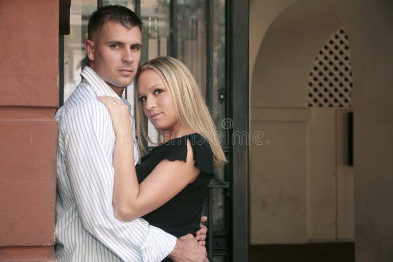 夫妇订婚纵向 图库摄影
