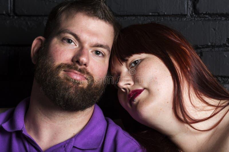 夫妇重点前面纵向妇女年轻人 图库摄影