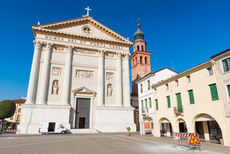 奇塔代拉,意大利:中央寺院二奇塔代拉看法  免版税库存图片
