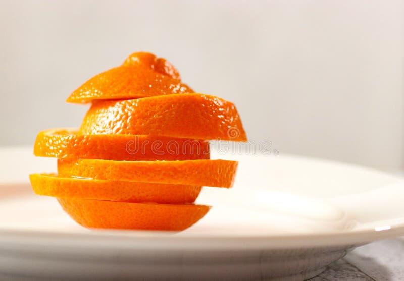 奇怪的形状的橙色切片 免版税库存图片