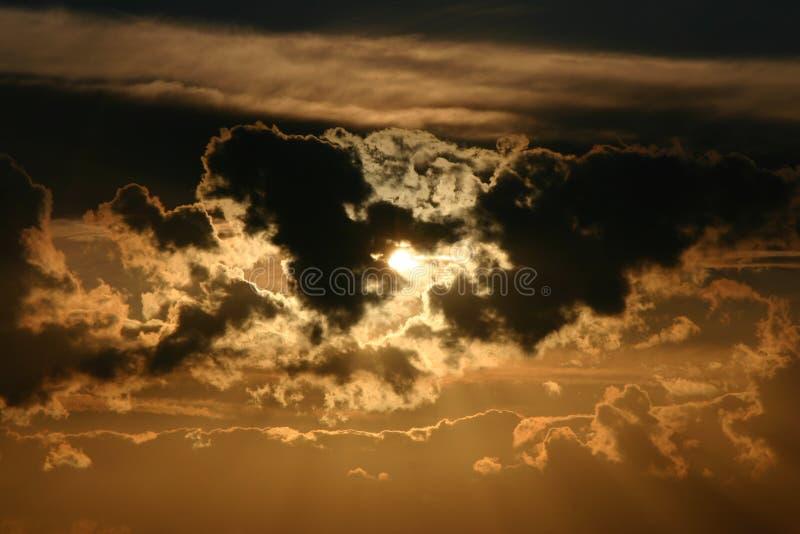 Download 奇迹 库存照片. 图片 包括有 夜间, 微粒, 横向, 构成, 极性, 红色, 黄昏, 飞雪, 颜色, 光芒 - 175450