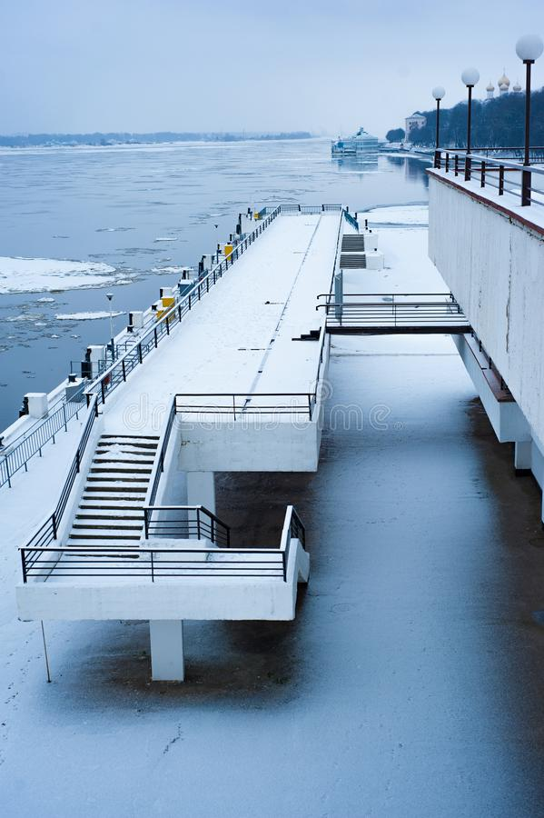 奎伊和河有飞行的冰的 免版税库存图片