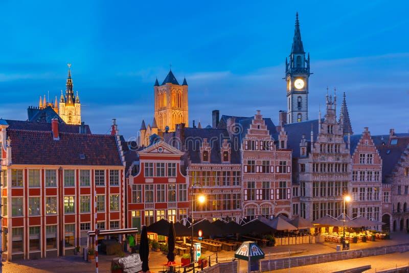 奎伊Graslei早晨,跟特镇,比利时 免版税库存图片