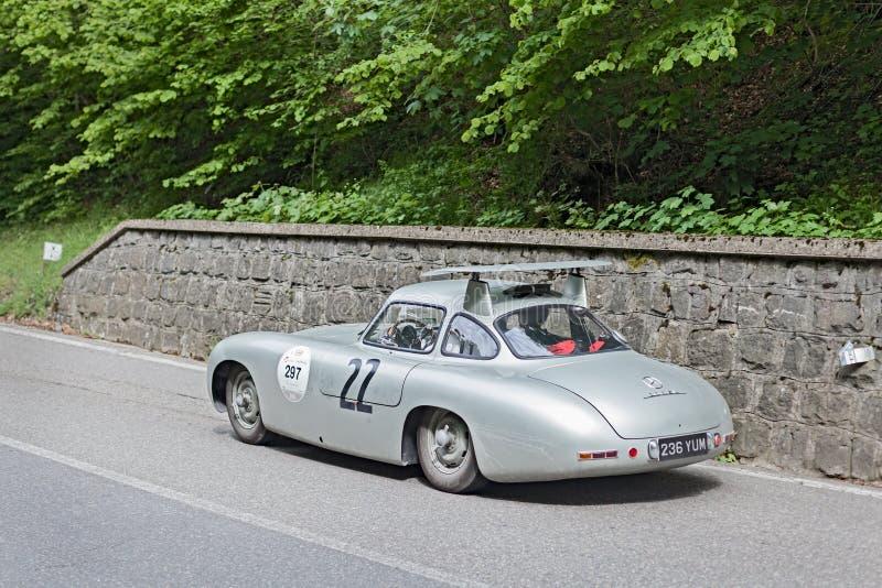 奔驰车300在集会Mille Miglia的SL W194 2013年 库存照片