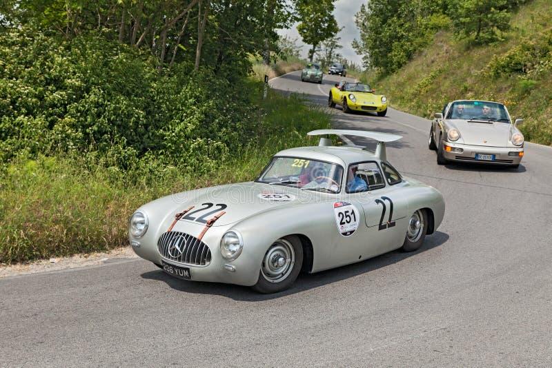 奔驰车300 SL W 194 (1952)在Mille Miglia 2014年 免版税图库摄影