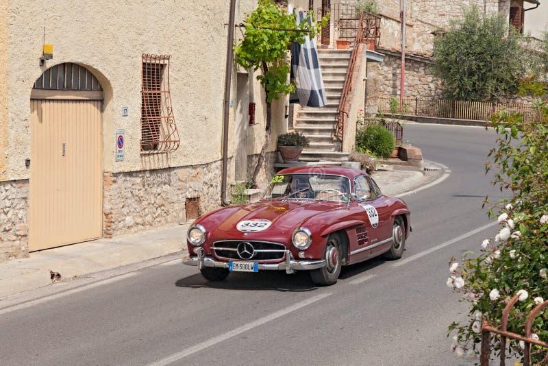 奔驰车300 SL W 198 (1955)在Mille Miglia 2014年 免版税库存图片
