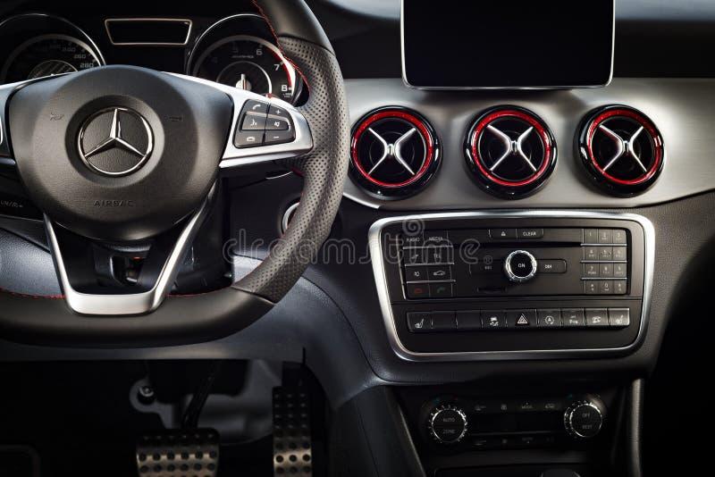 奔驰车CLA 45 2016个AMG内部 免版税库存图片