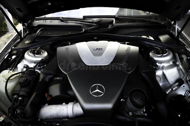 奔驰车V-8引擎 免版税库存图片