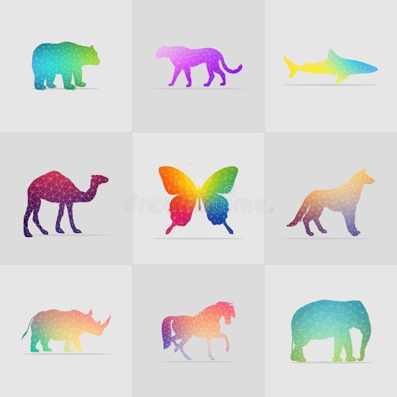 套五颜六色的多角形动物例证 皇族释放例证
