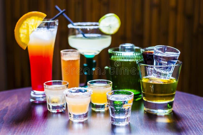 套各种各样的龙舌兰酒鸡尾酒 免版税图库摄影