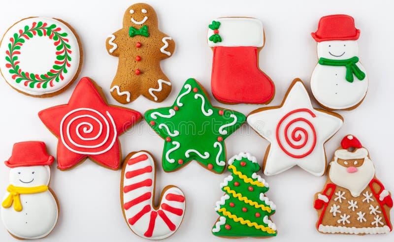 套在白色背景的圣诞节姜饼 库存照片